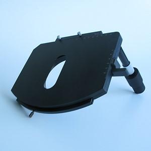 Kreuztisch 75x50/240° R mit Harteloxal-Beschichtung Koaxialtrieb 160 mm, um 15 mm längenverstellbar, mit Friktionseinstellung